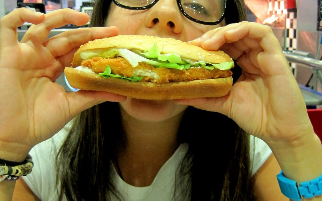 Comer sano es difícil. ¿Merece la pena? Cuándo dejar de comer caca y cuándo seguir haciéndolo.