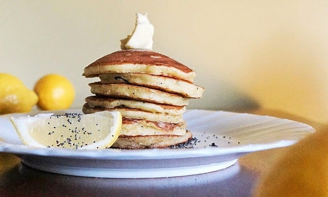 Fluffy Lemon Poppy Seed Pancakes