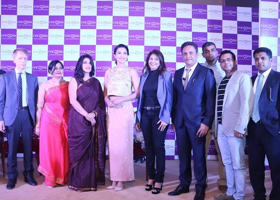 Cocoona team at the launch of Cocoona Centre For Aesthetic Transformation in New Delhi with Gauahar Khan-min