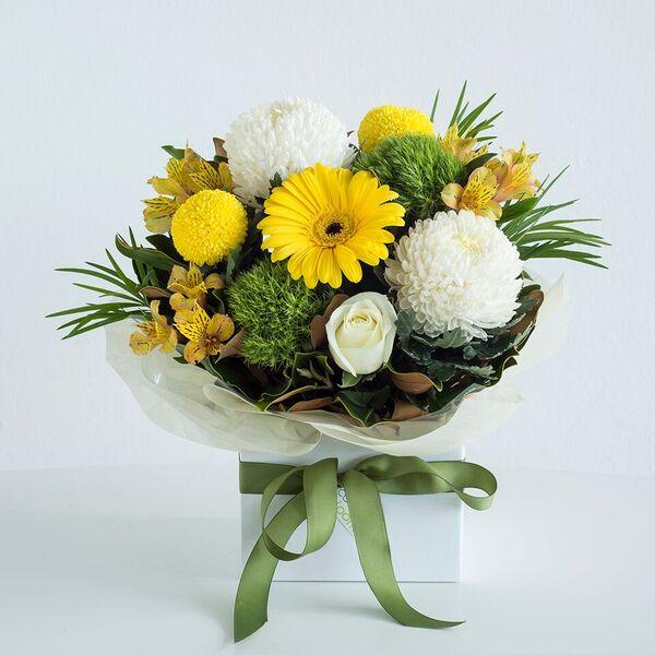 Popular yellow and whites box arrangement