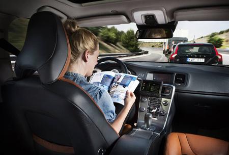 Volvo : des voitures sans conducteur pour 2017