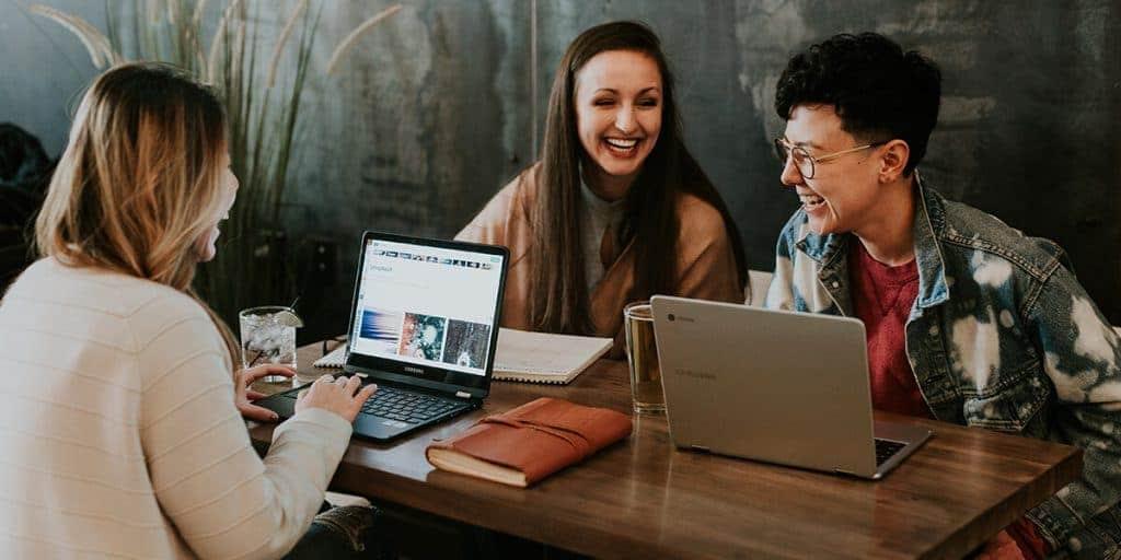 6 ประโยชน์ของ Hot Desk ที่จะช่วยให้ออฟฟิศคุณดีขึ้นได้