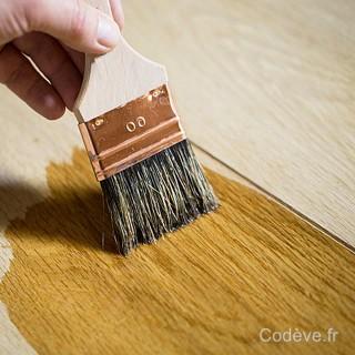 bois peint avec le vernis bois mat
