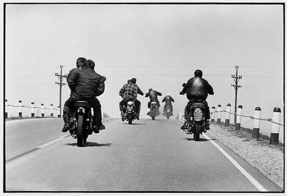 The-Bikeriders-5-585x400