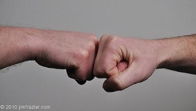 bump fist