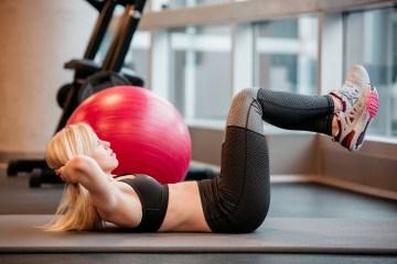dlaczego nie czuję mięśni brzucha