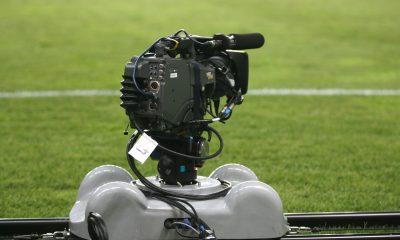 TV - Combien a payé Canal+ pour récupérer les droits de la Ligue 1 .