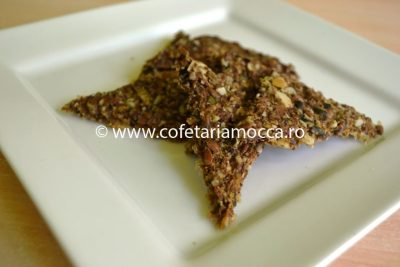 Cracker raw vegan cu varza