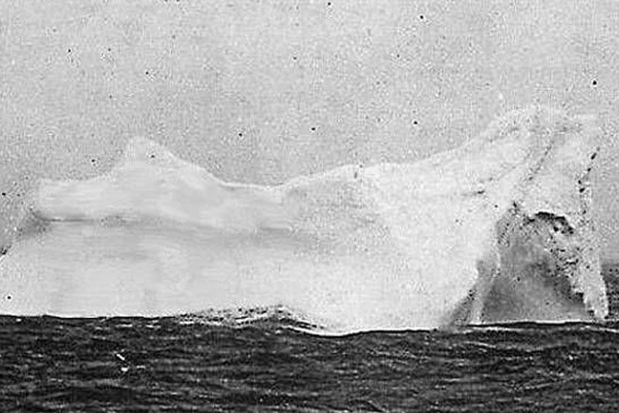27. Sinking Of The Titanic