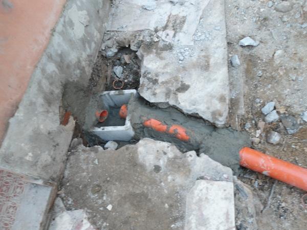 Sostituzione di una tubazione in PVC di scarico acque bianche