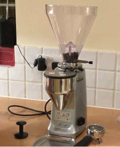 Mazzer Mini Electronic Coffee Grinder 1