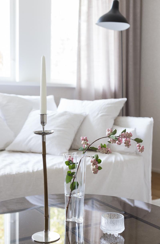 sisustustyyli, trendit, värit sisustamisessa, loveoriginalm svenskt tenn bamboo kynttilänjalka