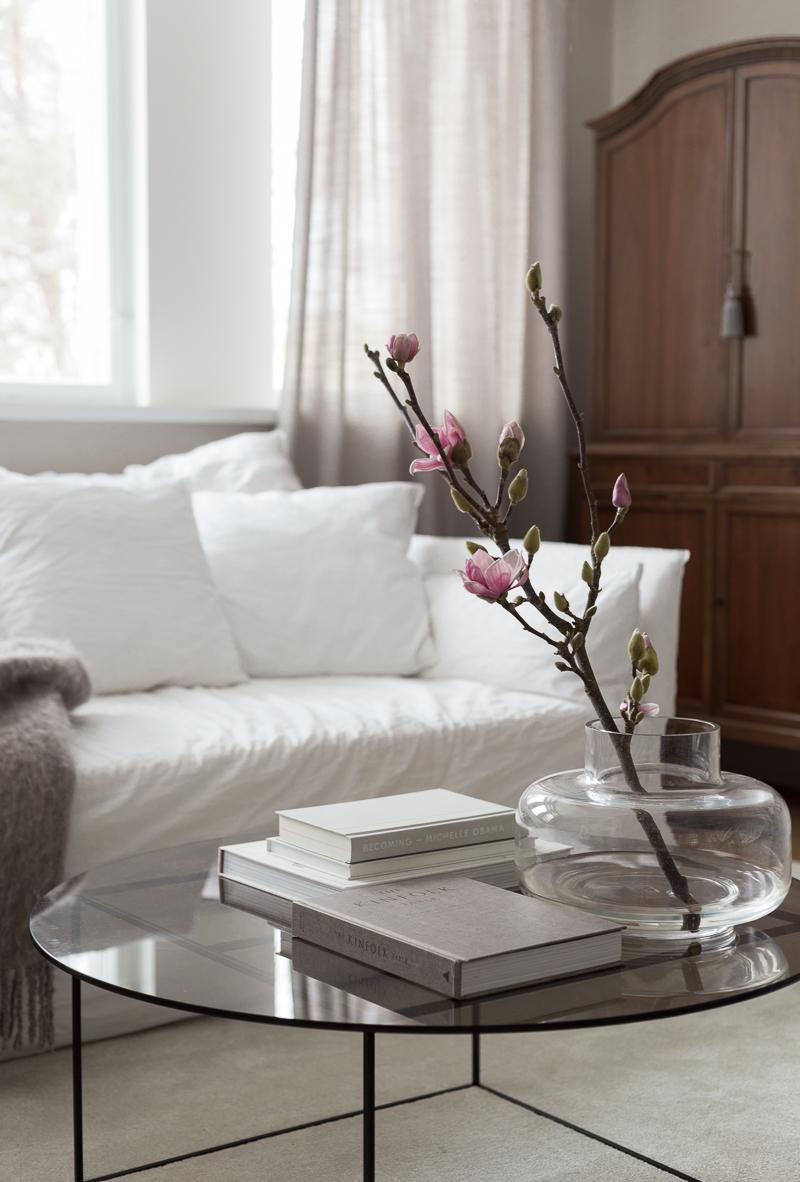 miten magnolian saa kukkimaan, magnolian hoito-ohjeet, marimekko urna vaasi
