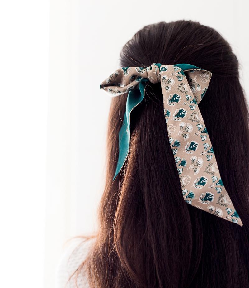 Hermine Hold Scarfette, huivi hiuksissa, huivimuoti, skinnny scarf, kapea huivi