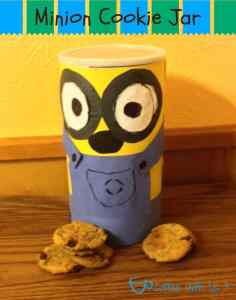 minion-cookie-jar-bottom