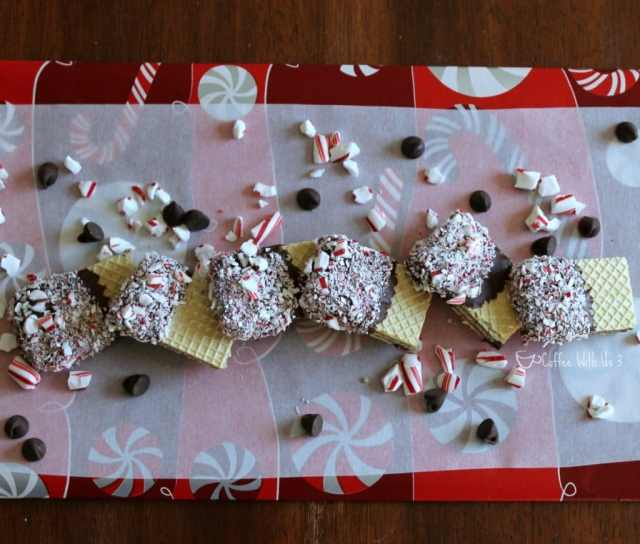 Candy Cane Chocolate-Dipped Wafers make a great Christmas gift!