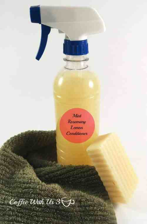 Homemade Natural Hair Conditioner | This DIY conditioner is simple to make and a great alternative to unnatural store bought conditioner that has chemicals in it that are bad for your hair and you. There is recipes for both blonde hair & darker colors of hair. Essential oils are used to scent the conditioner, so it will leave your hair smelling wonderful without chemicals! Click the pin to get the directions!