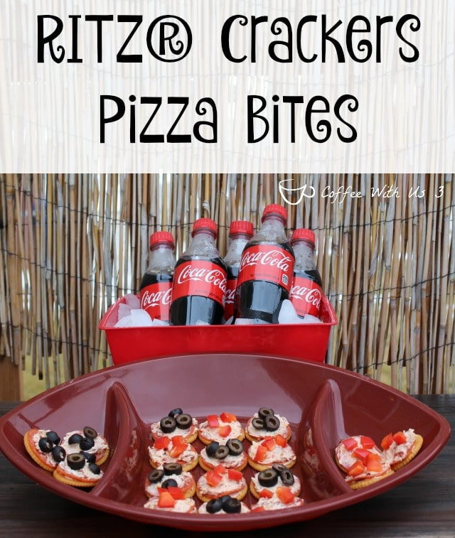Ritz Crackers Pizza Bites - Tons of pizza flavor in a bite-sized snack. Serve with Coca-Cola for a great game day! #BowlTimeSnacks #ad