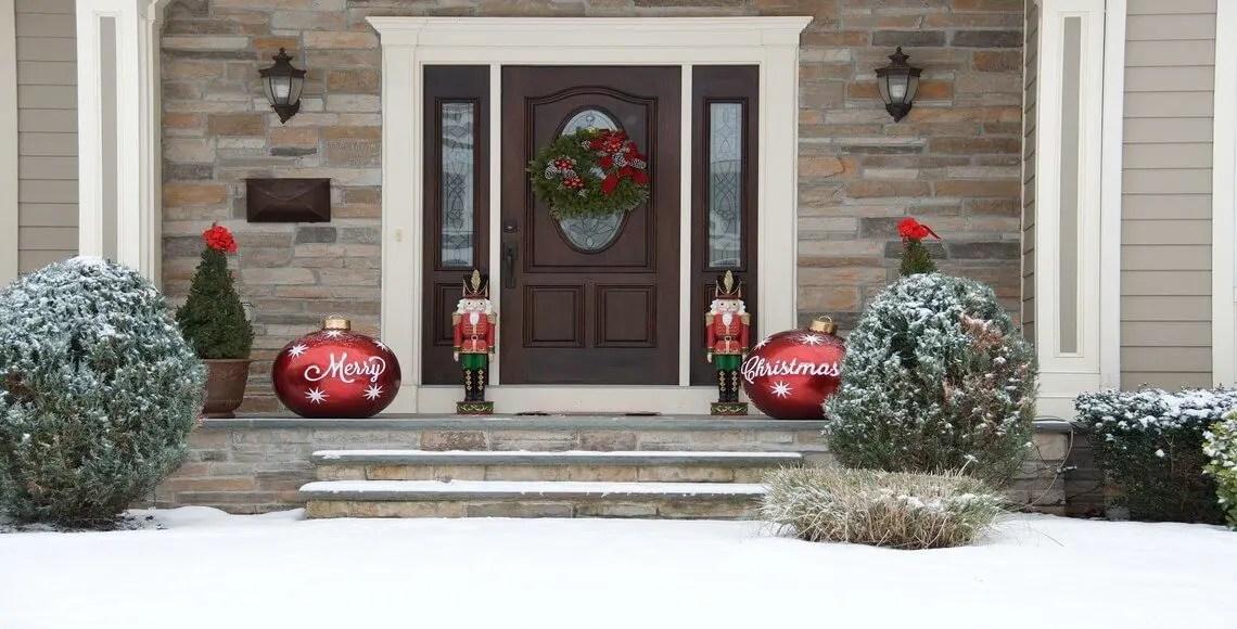 Invitate pure i vostri amici, ma niente spam. Addobbare La Porta D Ingresso Per Natale Coges Divisione Infissi