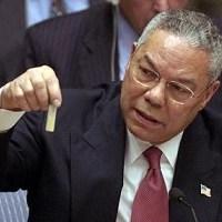 Colin Powell esibisce le prove delle (inesistenti) armi chimiche irachene