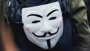 Read more about the article Fawkes protects your identity from facial recognition systems, pixel by pixel