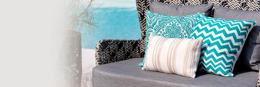 Cuscini arredo decorativi per divani cuscini grandi e colorati  Coincasa