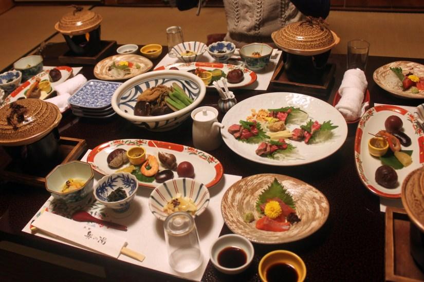 refeição no ryokan