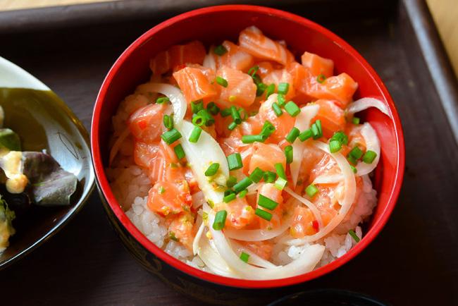Salmon Chirashizushi