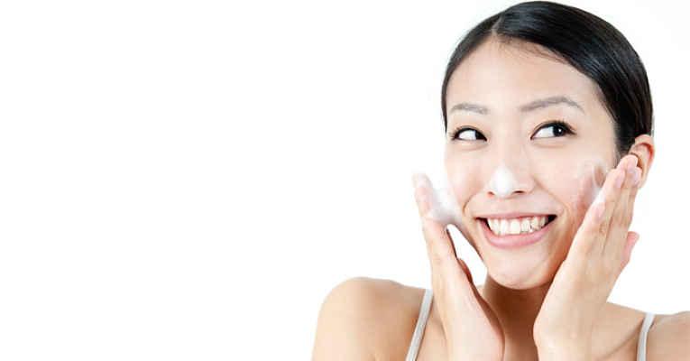 limpeza facial 4-2-4