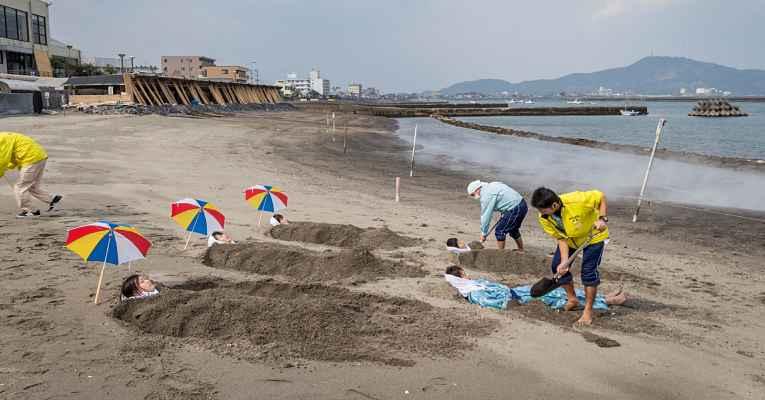 Banho de areia no Japão
