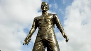 ronaldo estatua