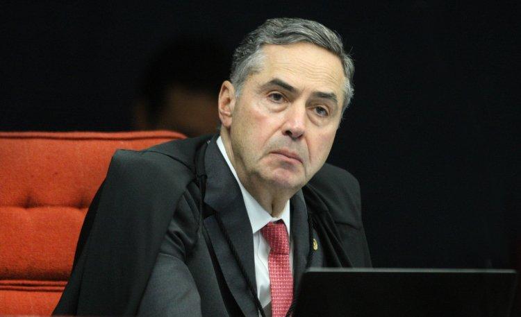 'Imunidade parlamentar não pode servir de blindagem para cometimento de crimes', diz Barroso