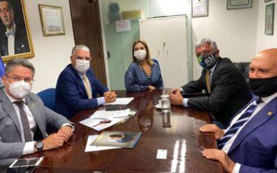 Senador Alessandro Vieira, que esteve em reunião com Major Olimpio, é internado com Covid-19