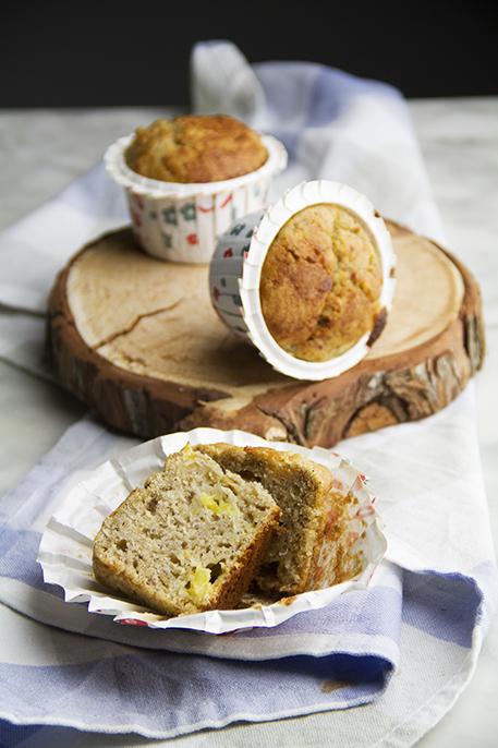 Muffin integrali alla banana e ananas