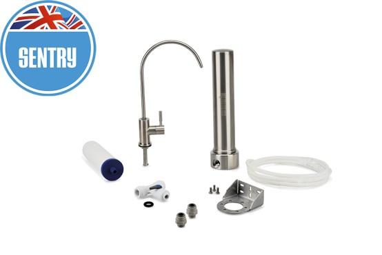 Sistema di filtrazione dell'acqua sotto-lavello in acciaio inox con filtro sentry