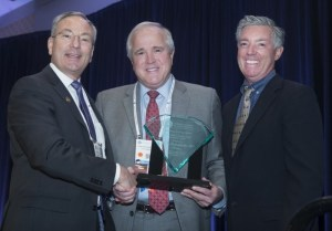 Central Ohio Lions Eye Bank Medical Director receives national award