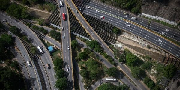 Autopistas por Julio Cesar Mesa