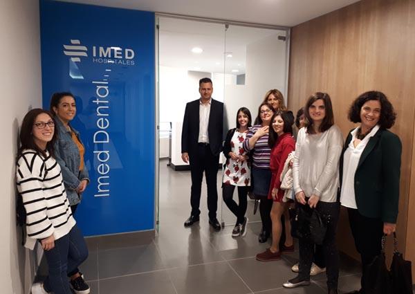 Detalle de los asistentes a la Jornada de Puertas Abiertas al hospital IMED Valencia, para los colegiados y organizado por la aseguradora ASEFA y el colegio, 2018.