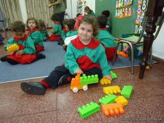Salas de 3 jugando con Bloques 10