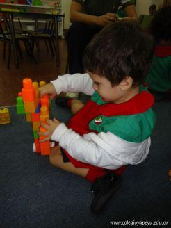 Salas de 3 jugando con Bloques 3