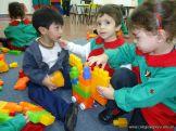 Salas de 3 jugando con Bloques 8
