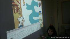 Paca la vaca con la Pizarra Digital 26