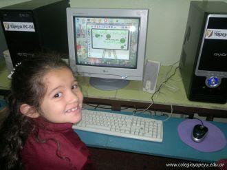 Primer grado en Sala de Computacion 9