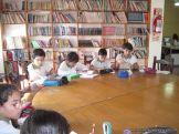 6to grado leyendo en Biblioteca 4