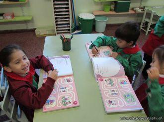 Aprendiendo Ingles en Salas de 5 12