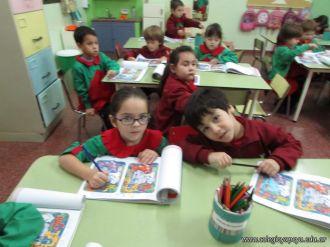 Aprendiendo Ingles en Salas de 5 23