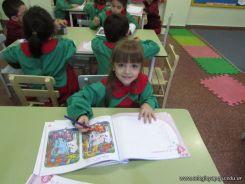Aprendiendo Ingles en Salas de 5 55