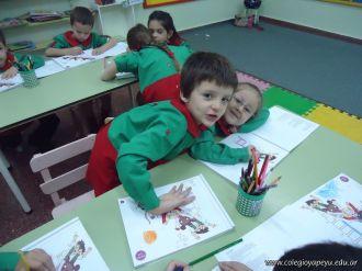 Aprendiendo Ingles en Salas de 5 9