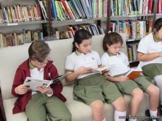 Visitamos la Biblioteca 75