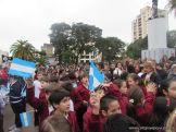 Niños y jovenes con la Bandera 4